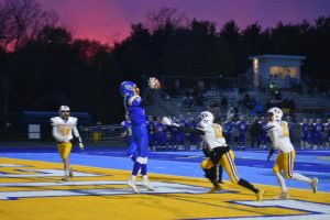 Tyler Kersten with the two point conversion catch