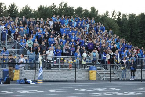 Student Cheering at Alden: An Inside Look